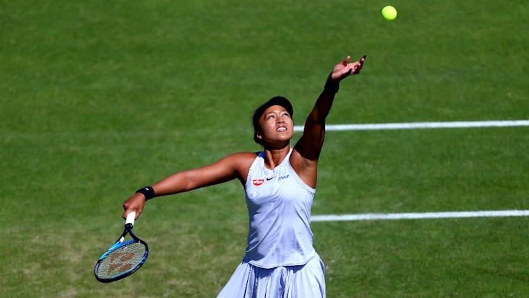 日本とアメリカの二重国籍を保有。全米テニス協会から猛アプローチを受けたが、無名時代から支えてくれた日本テニス協会の思いに応えるべく日本代表の道を選んだ