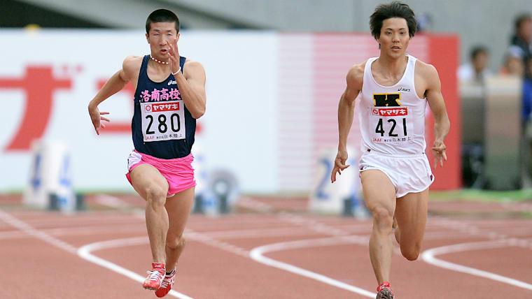 高校は陸上の名門校である洛南高校へ。3年次に10秒01という当時の日本歴代2位のタイムを出している