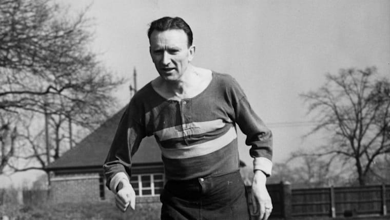 イギリスのジム・ピーターズは1950年代に世界記録を4度も塗り替えている