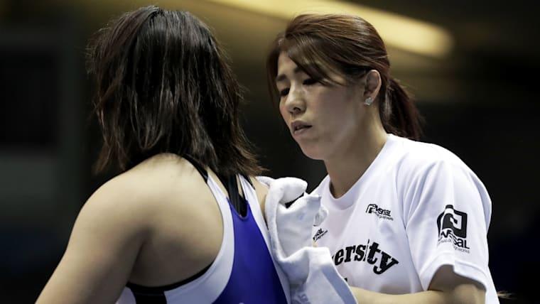 オリンピック4大会で3つの金メダルと1つの銀メダルを手にした吉田沙保里(右)は日本代表コーチに就任