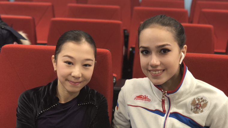 Elizabet Tursynbaeva (left) and Alina Zagitova (right) in Moscow for ISU Grand Prix