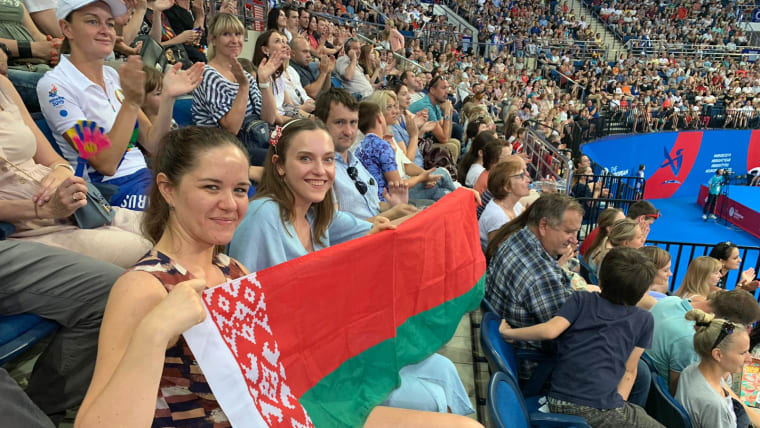 Hancharou fans wait for their hero in the Minsk Arena, men's final up next. His wife has already won gold. No pressure Uladzislau. Photo: Olympic Channel