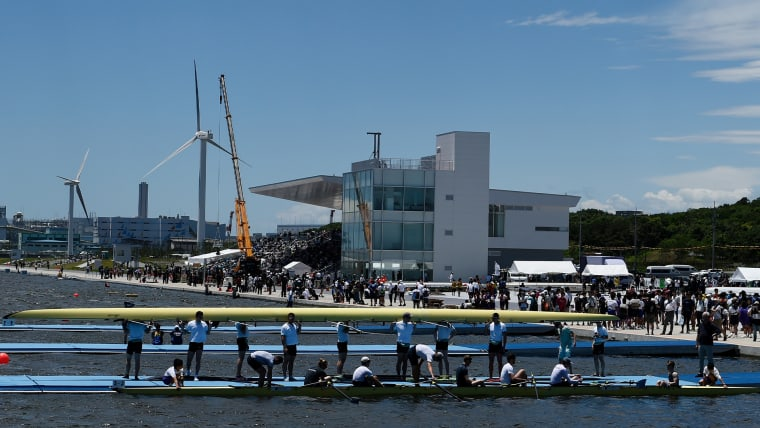 海側から見た「海の森水上競技場」。ボート競技のデモンストレーションも行われた