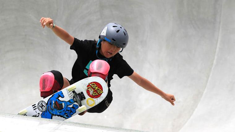 スケートボード、女子パークで優勝した岡本碧優