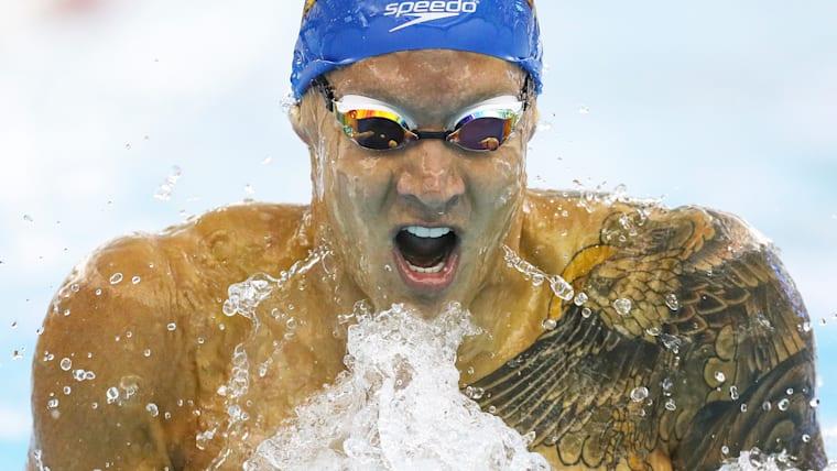 ワイルドなタトゥーがトレードマークのケレブ・ドレセル。世界水泳2017では7冠を達成するなど、メダルハンターとしても恐れられる