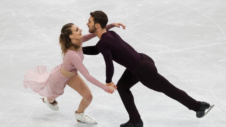 France's Gabriella Papadakis and Guillaume Cizeron took victory in the World Team Trophy ice dance free dance