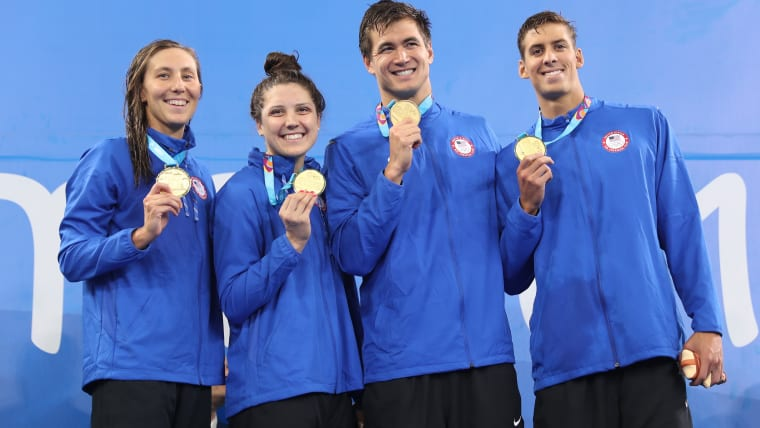 USA 4x100m mixed freestyle relay world champions (L-R): Margo Geer, Alexandra de Loof, Nathan Adrian and Michael Chadwick