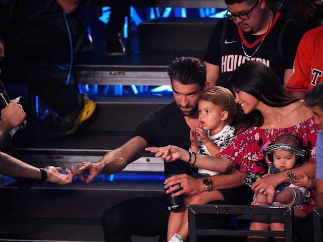 """Michael Phelps, sobre su hijo: Boomer se está convirtiendo en una """"animal de piscina"""""""