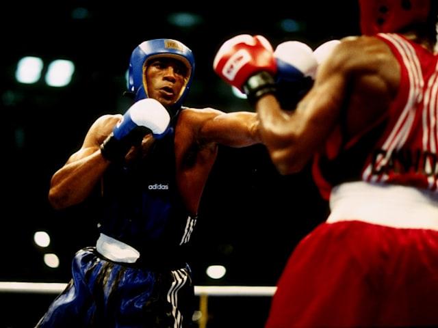 キューバのサボンがアトランタ1996ボクシングヘビー級で金