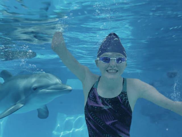 Ellie und Winter: Die 14-Jährige, die von einem Delfin inspiriert wurde