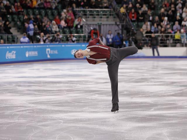 2019 Winter Universiade: Maxim Kovtun takes figure skating win in men's short program