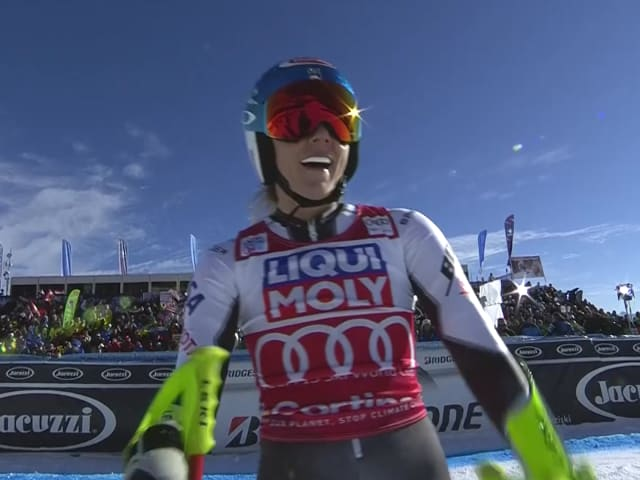 Shiffrin wins Super-G as Vonn fails in Cortina