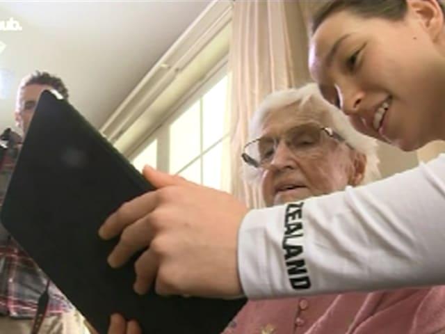 Der älteste Olympionike Neuseelands ist stolz auf seine Enkeltochter