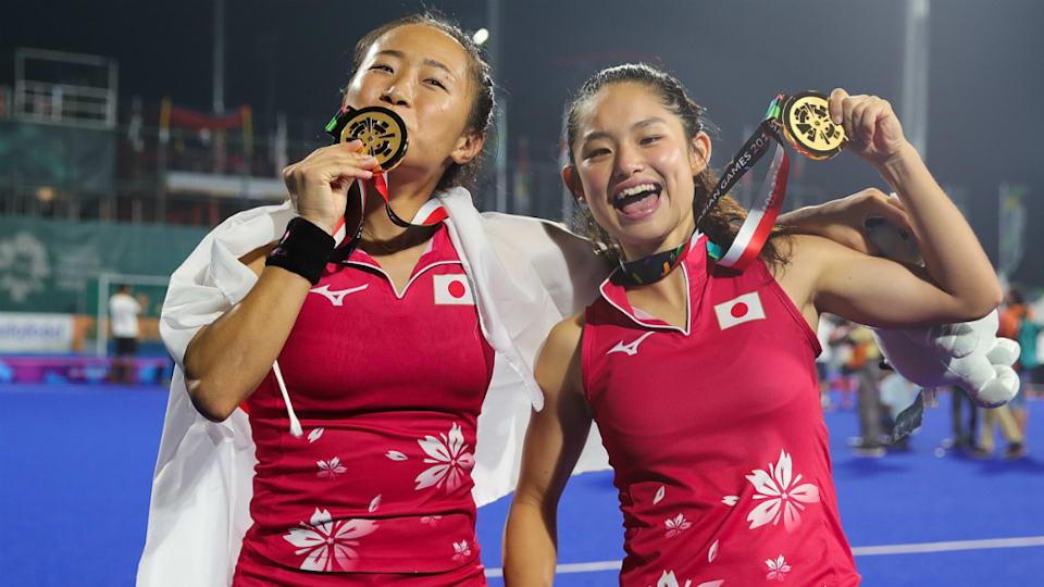 女子の「さくらジャパン」は2018年のアジア競技大会で金メダルを獲得。オランダでプレーするDFの及川栞(左)やFWの山田明季(右)を含め全員が奮闘した