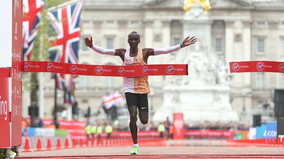 ケニアのエリウド・キプチョゲは2時間01分39秒というマラソンの世界記録を保持。ワールドランキングでもトップに立つ