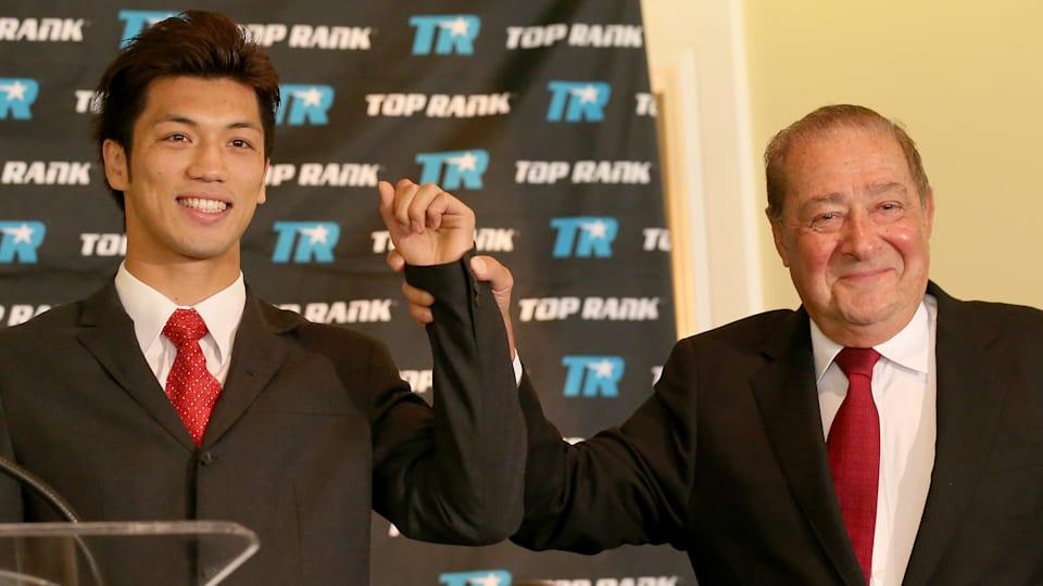 米大手プロモーターのトップランク社の代表ボブ・アラム氏も村田の才能を認め、海外でのサポートを約束した