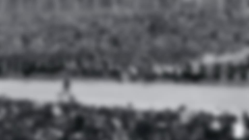 Grenoble_1968_torch_hero